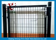 চীন Black Powders Sparyed Coating Welded Wire Fence Gate With Square Post কারখানা